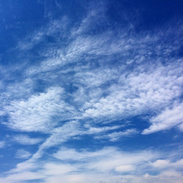 今日は実際は曇りの為、ここ最近の空の写真です🌤 (from Instagram)