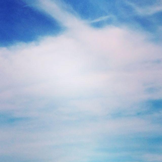 秋の空はホント様々な面持ちを見せてくれます (from Instagram)