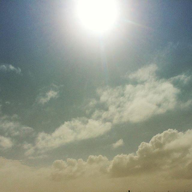 バニラスカイ🌤なんてことない空はいつも写し鏡みたいなもんですね^_^ (from Instagram)